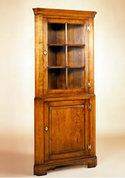 OCC3 Astragal Glazed Corner Cupboard