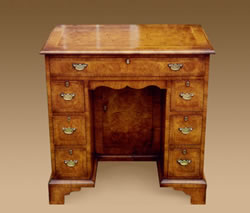 WV5 Walnut Veneered Kneehole Desk